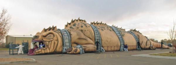 The Beast aangekomen op het Sint-Pietersplein